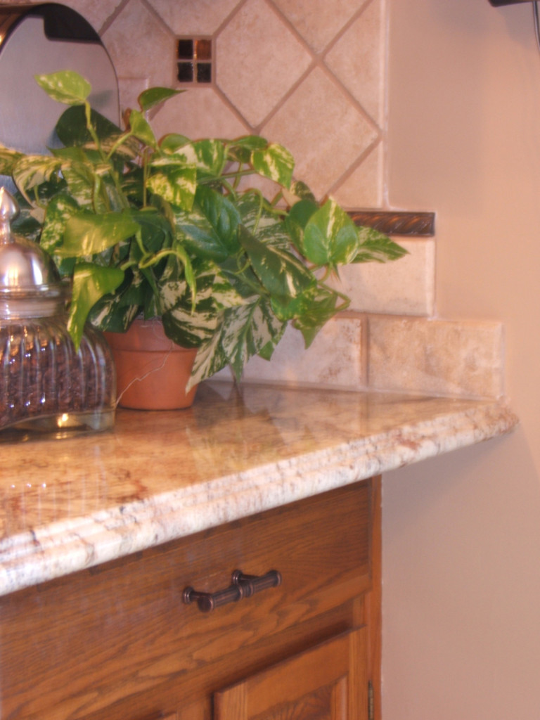 Westerville_Kitchen_Backsplash_Detail_Bean_1200x1600